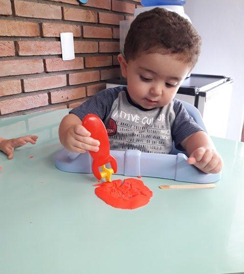 CONHECENDO AS CORES BRINCANDO! – Maternal 1