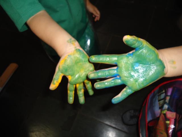 Maternal 2 na descoberta de novas cores