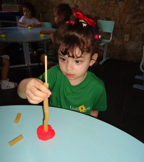Maternal 2:  Desenvolvendo movimentos com brincadeiras