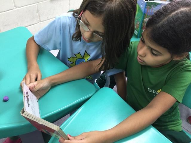 Estante Literária? Sim, os alunos do 2º ano tem!