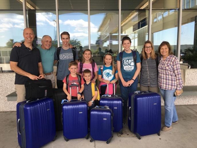 Escola Cristã recebe visita da família Young (parte 1)